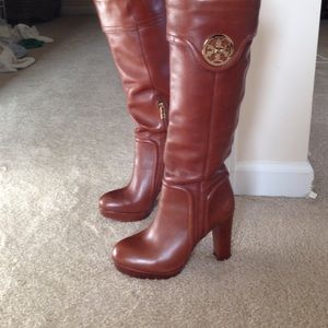 Tory burch boots brown
