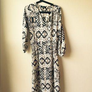 Tolani Dresses & Skirts - Tolani silk maxi dress