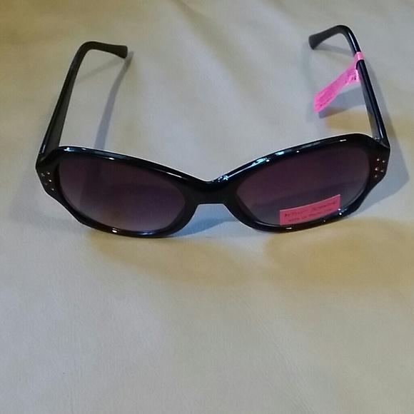 159e8c56e17 Betsey Johnson sunglasses with pink rhinestones