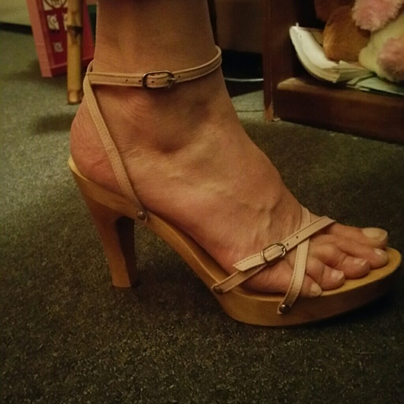 Mia Shoes Mia Wooden Heel Sandals 2