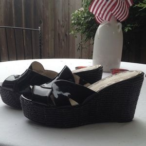 Nine West black patent platform slides