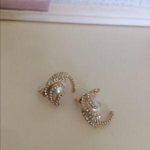 NEW pearl classy earrings