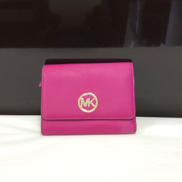 54f9ac34526f MICHAEL Michael Kors Fulton Medium trifold Wallet
