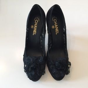 CHANEL Black Lace Pumps with Camellia on Toe