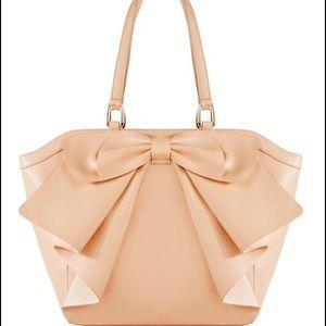 Luminate  bag
