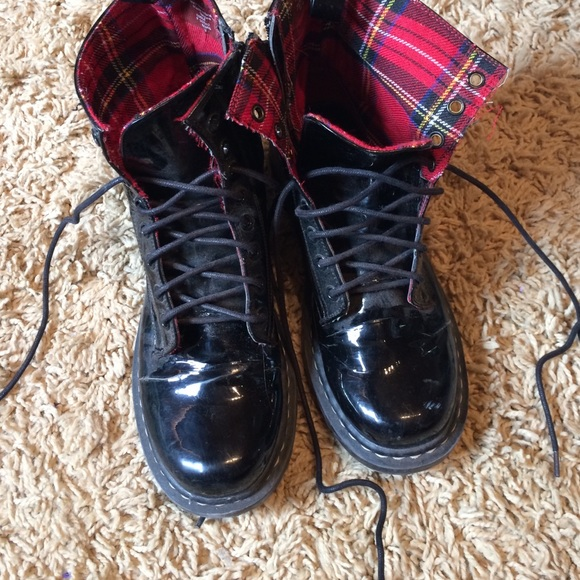 50 shoes black shiny doc martens from s