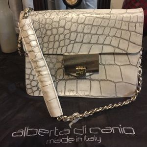 Alberta Decanio Genuine leather Bag.