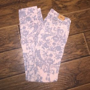 Urban Outfitters Pants - Urban patterned pants