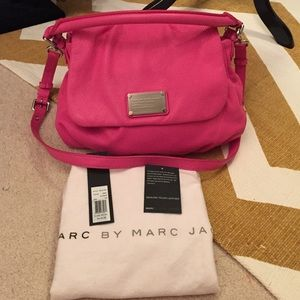 Marc Jacobs Handbags - Marc Jacobs Pink Leather Bag