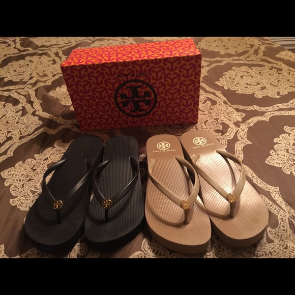 da72ff9976365 Tory burch wedge thin flip flops black and nude. M 55a1cfc99361533f71007169
