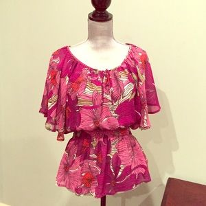 Floral Top! Size 6. H&M