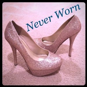 Delicious Shoes - Delicious NEVER WORN sparkly gold stilettos
