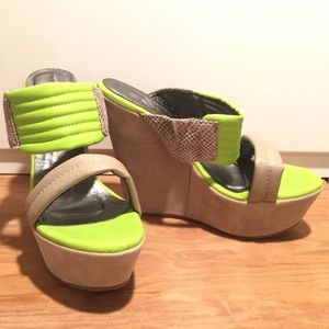 Shoes - NEW Snake & Lime Wedge