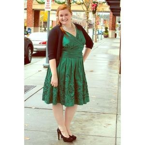 S. L. Fashions  Dresses & Skirts - ⬇️ Emerald Green Party Dress (Plus Size)