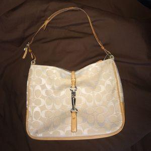 Medium sized coach bag