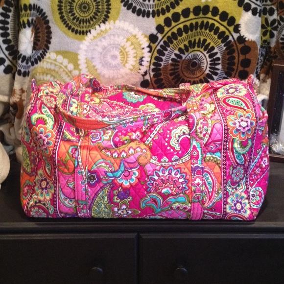 12fc7b169ac2 Vera Bradley pink swirls large duffel. M 55a29f3972c9c55626009bd6