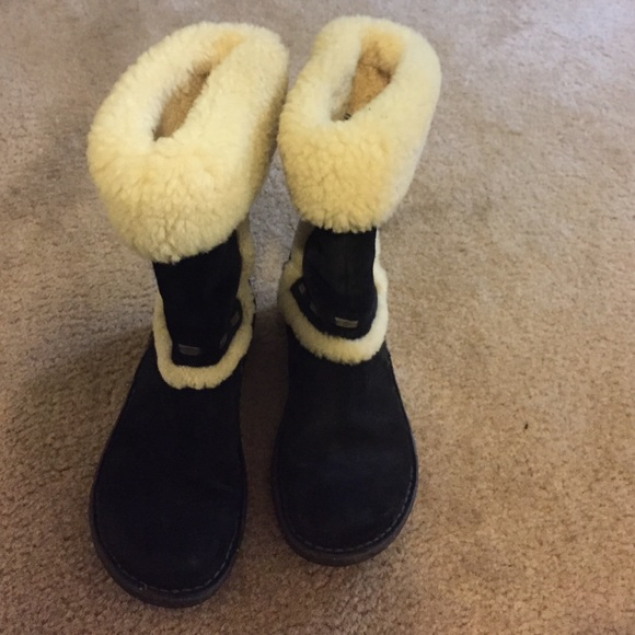 7b617859926 Black with white fur REAL UGG BOOTS! FITS LIKE A 7