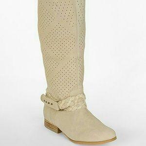 Naughty Monkey boots  Fine Day Cream