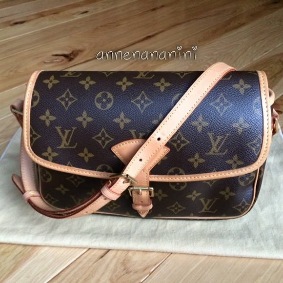 8052c3067ca6 Louis Vuitton Handbags - Louis Vuitton Monogram Sologne Cross Body Bag