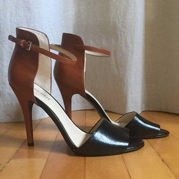 61a67b259d76 Nine West two-tone ankle strap heels. M 55a2d00454f0a8474200afb4