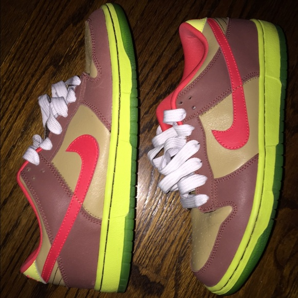 Men's Nike SB low top dunks
