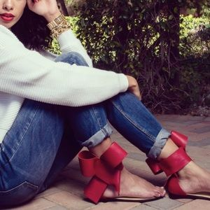 Aminah Abdul Jillil Shoes - 1 DAY SALE‼️ / Aminah Abdul Jillil Red Bow Sandals