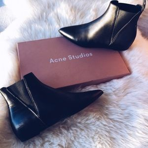 Acne Studios Sid Pointy Toe Chelsea Boot