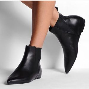 Acne Studios Pointed-Toe Leather Ankle Boots cheap sale footlocker N17YqiT