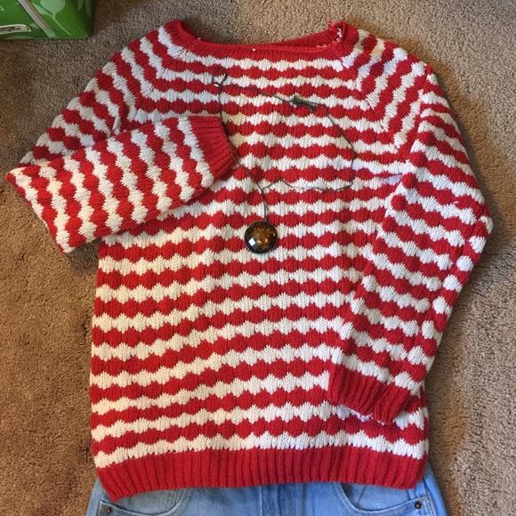 how to make white stripes white on sweater