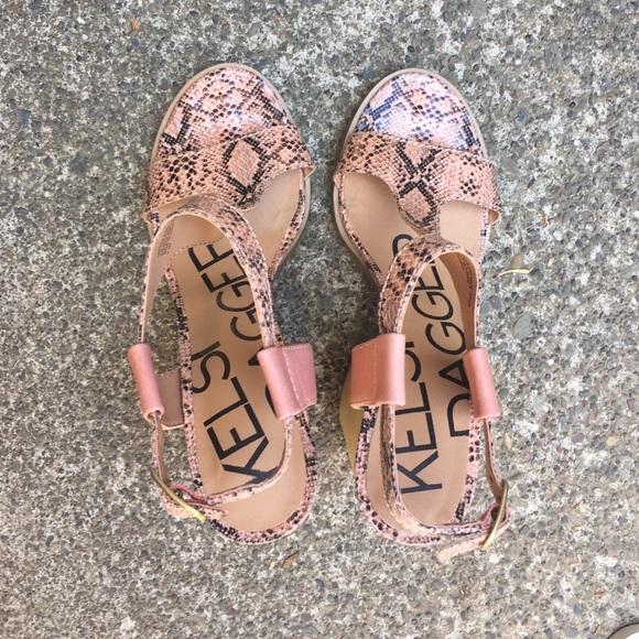 79 Off Kelsi Dagger Shoes Kelsi Dagger Salmon Colored