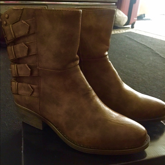 BUMPER Shoes - NEW taupe combat boots size 8.5