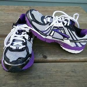 b4cfdf5e3237e BROOKS Shoes - SALE! BROOKS adrenaline GTS 12 running shoe size 7