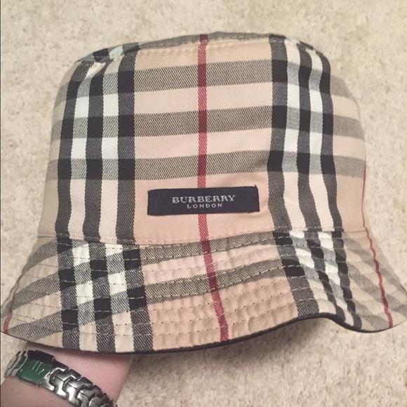 f2de964bf21 Burberry Accessories - Authentic Burberry London bucket hat