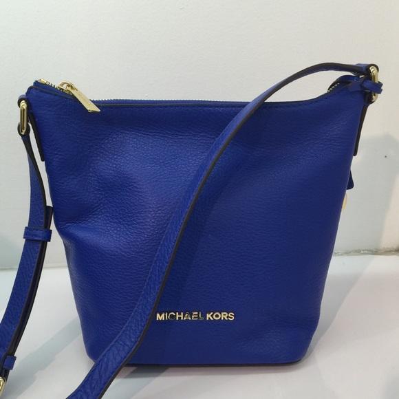 4862f881e94e Michael Kors Bags | Bedford Small Leather Messenger Tote | Poshmark