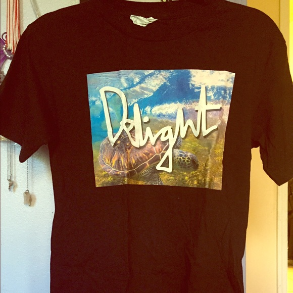 50 off delight brand clothing tops donated hawaii for Hawaiian graphic t shirts