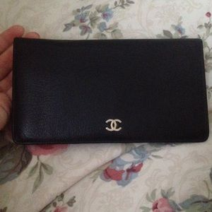 Authentic Chanel bifold long wallet leather
