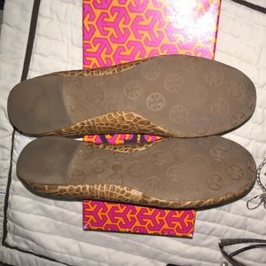 b6bc2f3f7564 Tory Burch Shoes - Tory Burch Reva Amazon Croc Print