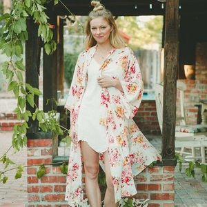 Tops - Nwt 100% rayon kimono