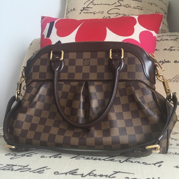 af1c8b1eb717 Louis Vuitton Handbags - Louis Vuitton Monogram Damier Trevi PM Handbag