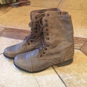 Boots - STEVE MADDEN GRAY COMBAT BOOTS