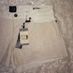 Lucky Brand White Patterned Shorts!