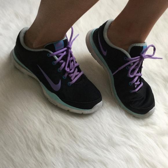 RESERVED Nike black purple tennis shoe sneakers
