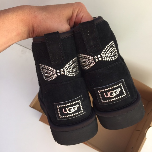 ugg australia classic mini crystal bow boot