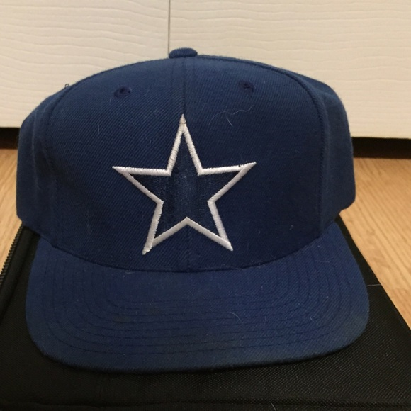 435576c94 Vintage Dallas Cowboys Snapback Hat. M 55a498a89924621c6101548e. Other  Accessories you may like. Nike beanie hat