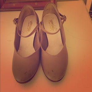 Danshuz Shoes - Danshuz Tan Character 1.5 inch heels