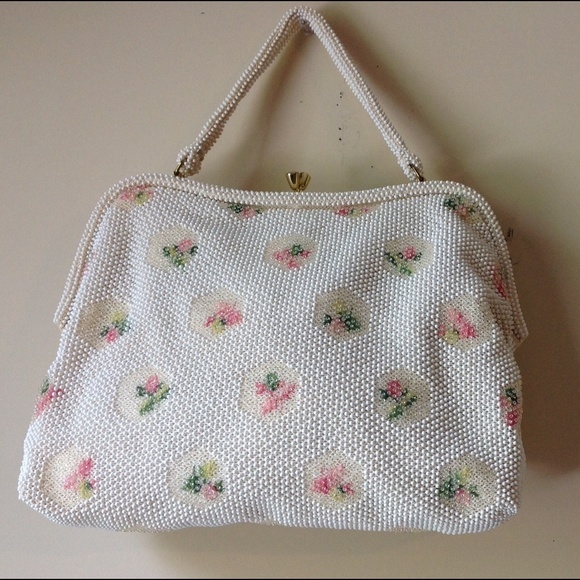 9b9d320379 Vintage Lumured White Beaded Sweet Rose Handbag