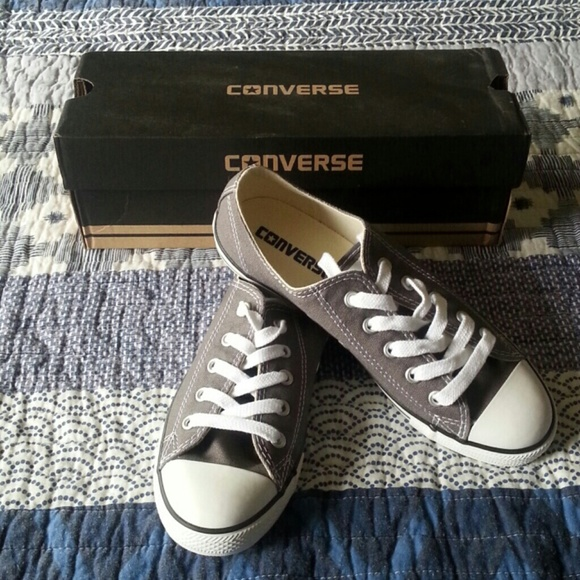 Charcoal Gray Women's Size 6 Dainty Converse NWT