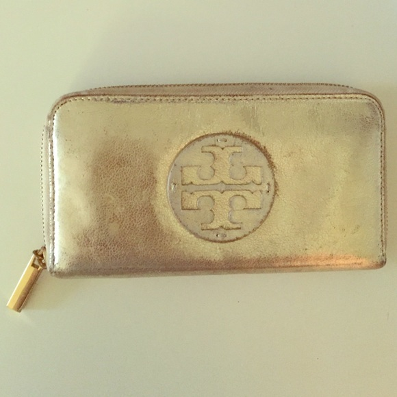 ae8c2752de Tory Burch Bags | Zip Wallet Metallic Gold | Poshmark