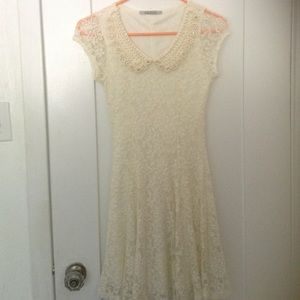 Dresses & Skirts - White floral lace dress