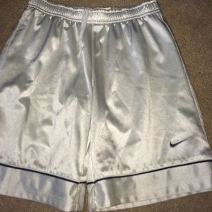 Nike mens small basketball shorts